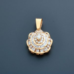 Necklace Pendant Yellow Gold and Diamonds - Baer & Bosch Auctioneers