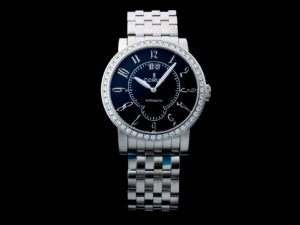 3913a Corum Classical Grande Date Diamond Watch 922.203.47